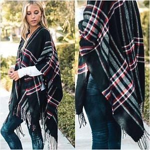 Accessories - Gorgeous Plaid Knit Kimono Cardi Wrap Fringe O/S